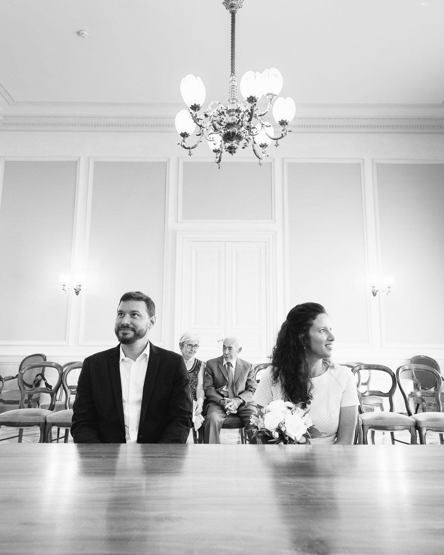 Simplicite Et Elegance D Un Mariage Civil A L Hotel De Ville