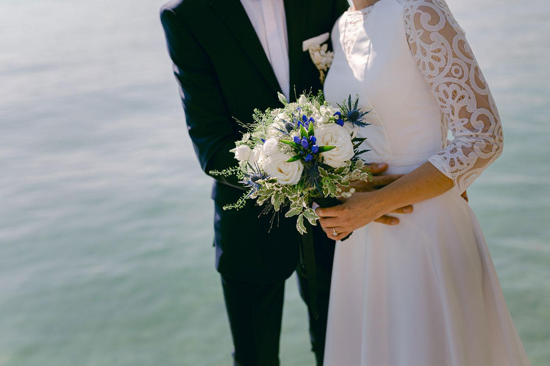 bouquet de la mariée lac d'Annecy - Quentin Weber photographe de mariage annecy Haute-Savoie